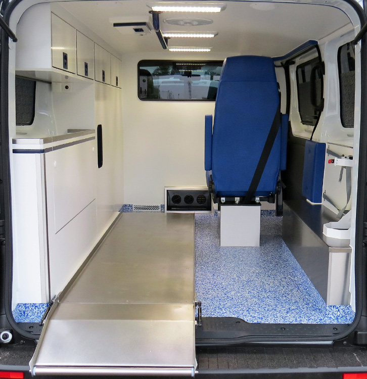 renault trafic opel vivaro baus france sp cialiste de l 39 am nagement d 39 ambulances. Black Bedroom Furniture Sets. Home Design Ideas